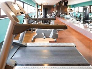 The fitness centre and/or fitness facilities at Novotel Liverpool Centre