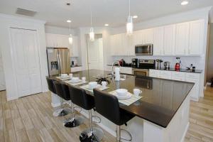 A kitchen or kitchenette at 3941 Sonoma