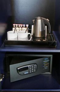 A kitchen or kitchenette at Denham Grove