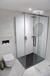 A bathroom at Denham Grove