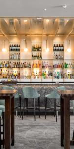 The lounge or bar area at Langstone Quays Resort