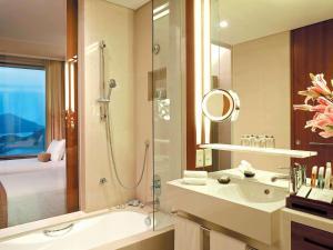 A bathroom at Novotel Citygate Hong Kong
