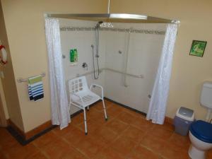 A bathroom at Ripples n Tonic Farmstay