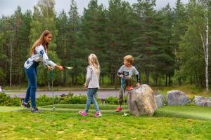En familie på Hunderfossen Hotel & Resort