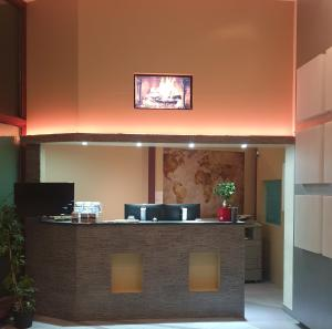 The lobby or reception area at Low Budget Hostel