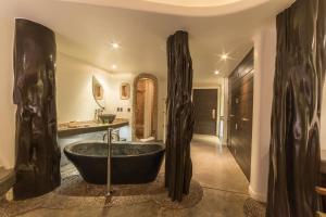 A bathroom at Nayara Hangaroa