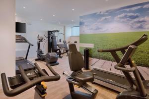 The fitness center and/or fitness facilities at NH Padova
