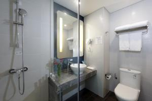 Holiday Inn Express - Xiamen City Center, an IHG Hotelにあるバスルーム