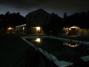 The swimming pool at or near Quinta Padre Lobo
