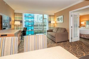 A seating area at Hampton Inn & Suites, by Hilton - Vancouver Downtown