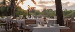 En restaurang eller annat matställe på Casal Santa Eulalia