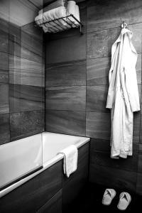 A bathroom at K West Hotel & Spa