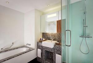 A bathroom at Park Plaza County Hall London