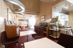 A restaurant or other place to eat at Hotel Sunlite Shinjuku