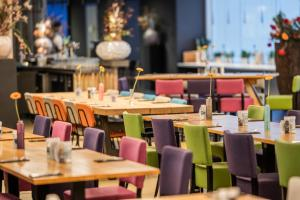 A restaurant or other place to eat at Fletcher Wellness-Hotel Leiden
