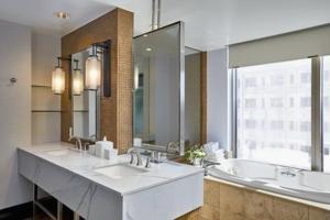 A bathroom at Hotel 1000, LXR Hotels & Resorts