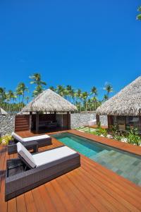 The swimming pool at or near Hotel Kia Ora Resort & Spa
