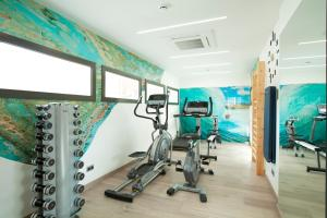 The fitness center and/or fitness facilities at Hotel Concordia Barcelona