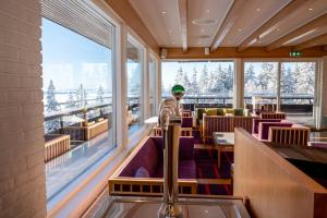 A restaurant or other place to eat at Voksenasen Hotell; Best Western Signature Collection