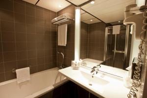 Een badkamer bij WestCord Art Hotel Amsterdam 4 stars