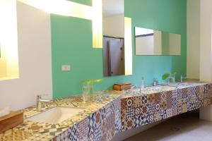 A bathroom at Hotel Covo