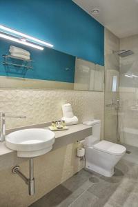 A bathroom at Soho Boutique Sevilla