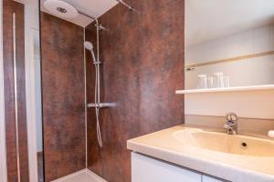 Ein Badezimmer in der Unterkunft Aparthotel Ons Epen