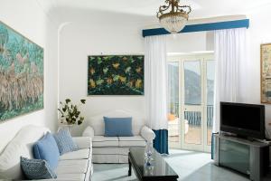 Area soggiorno di Positano Luxury Villas