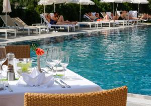 Ein Restaurant oder anderes Speiselokal in der Unterkunft Wellness Hotel Bayerischer Hof