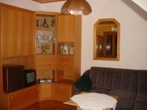 Ein Sitzbereich in der Unterkunft Apartment Janschitz Gundersheim