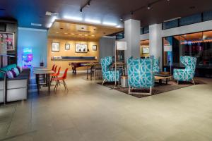 A restaurant or other place to eat at Aloft El Paso Downtown
