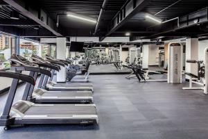 The fitness center and/or fitness facilities at Radisson Bogota Metrotel