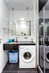 Łazienka w obiekcie JessApart– Babka Tower Apartment