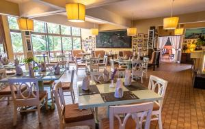 A restaurant or other place to eat at Sutera Sanctuary Lodges At Kinabalu Park