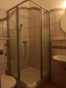 A bathroom at Hotel Köln-Bonn