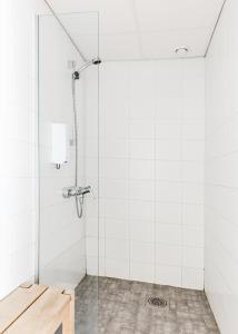 A bathroom at Sky Hostel Helsinki