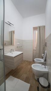 A bathroom at Cramu Bed&Breakfast