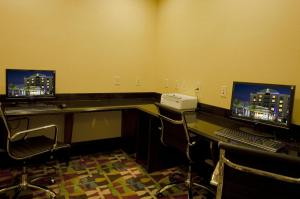 The business area and/or conference room at Holiday Inn Express-International Drive, an IHG Hotel