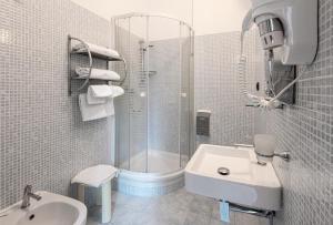 A bathroom at Hotel Careggi