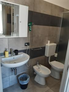 A bathroom at La Montrucca Camere