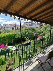 A balcony or terrace at O Ze Ja Dormiu Aqui