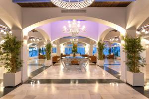 De lobby of receptie bij VIME La Reserva de Marbella