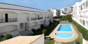 A view of the pool at Apartamentos King's or nearby