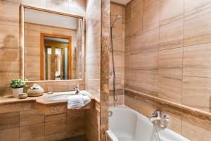 Un baño de Hotel Diplomatic