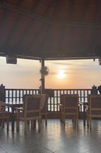 O pôr ou nascer do sol visto do resort ou dos arredores