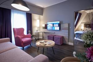Ein Sitzbereich in der Unterkunft Radisson Blu Hotel Bremen