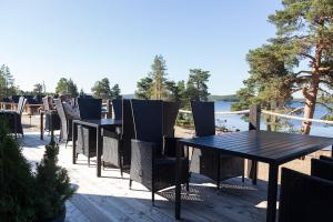 A restaurant or other place to eat at Wilderness Hotel Inari & Igloos