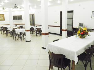 A restaurant or other place to eat at Hotel Veneza