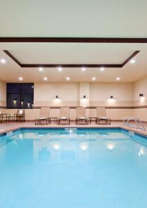 The swimming pool at or near Hampton Inn Seattle/Everett Downtown
