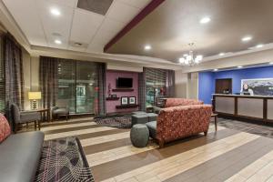 The lobby or reception area at Hampton Inn Seattle/Everett Downtown
